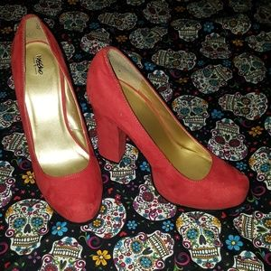 mossimo red heels.nwot